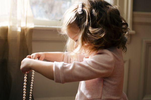 Comment habiller une petite fille?