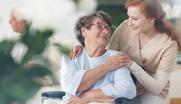 Parents vieillissants : quelles solutions au quotidien ?